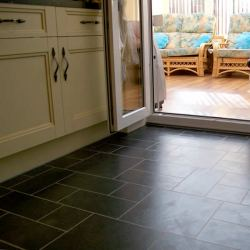 Laminate flooring buy cheap laminate flooring birmingham for Super cheap flooring ideas